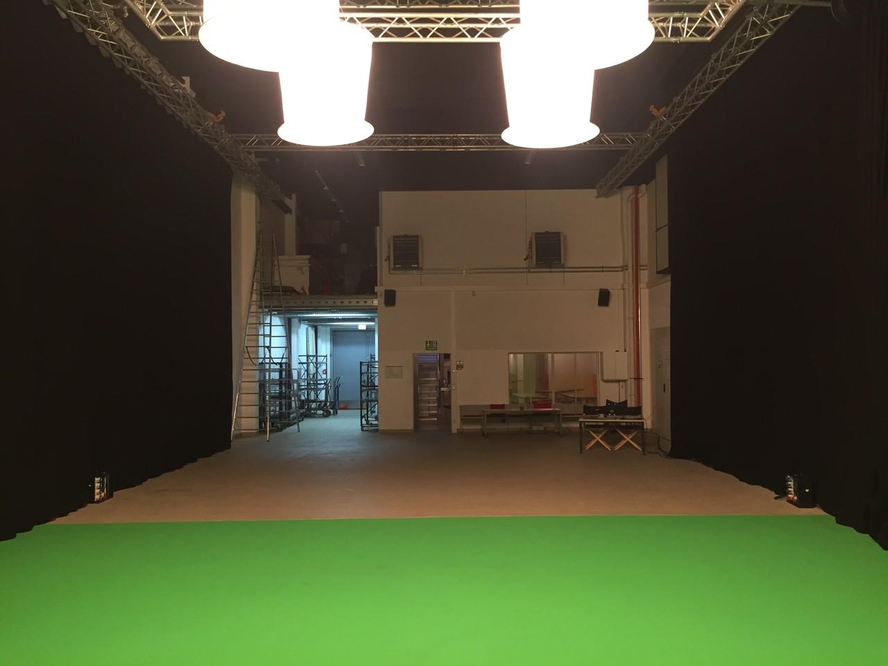 TMT Studio1 mit moderner Ausstattung für Filmproduktionen.